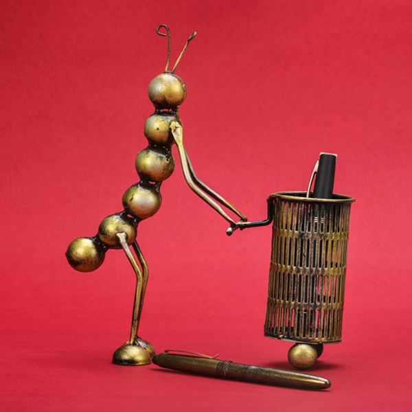 Pen Stand - Ant