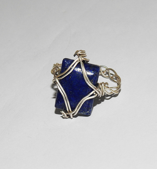 Ring in braided pattern with Lapis lazuli stone (rectangular)